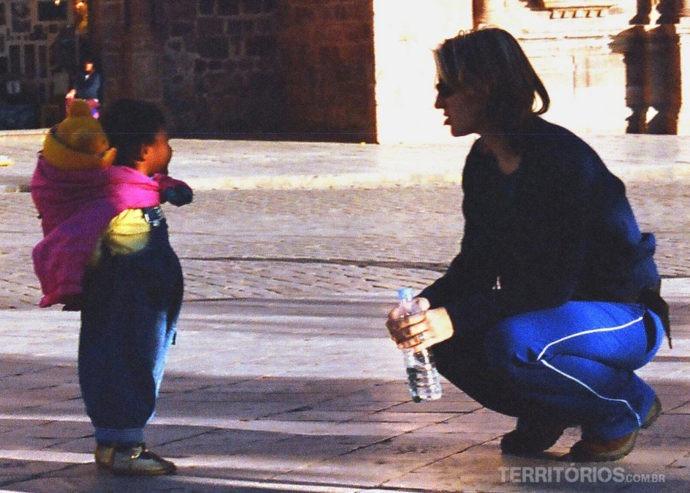 Criança peruana e Vanessa