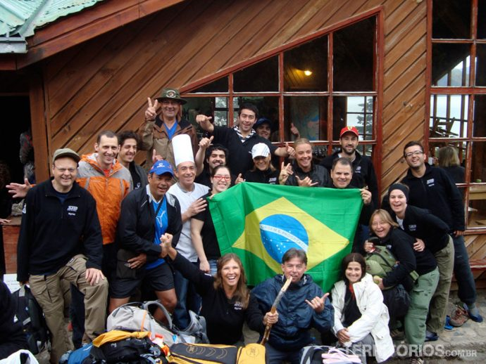 Grupo com staf do Refúgio Los Cuernos