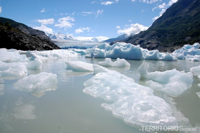 Cemitério de icebergs