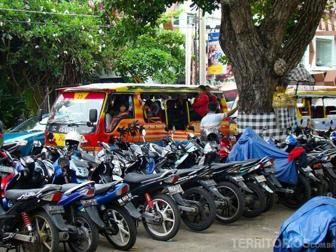 Moto é o mais econômico no transporte em Bali