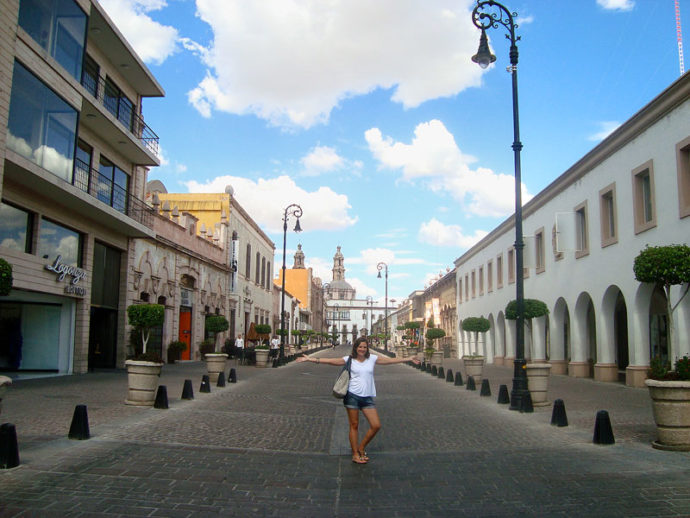Na rua Venustiano Carranza em Aguascalientes