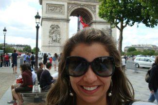 Selfies são umexercício e tanto para viajar sozinha em Paris
