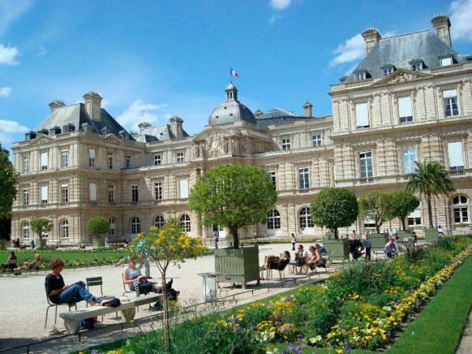 Em frente ao Palais de Tuileries