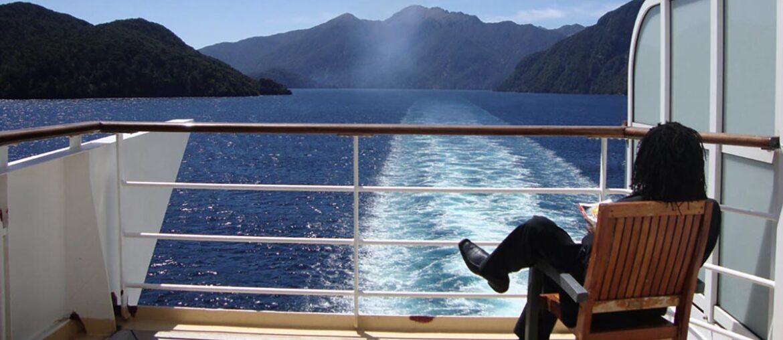 Em Milford Sound, nos pântanos do sul da Nova Zelândia