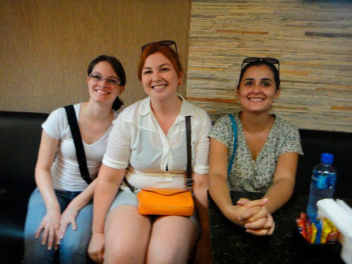 Ju, Fabi e Karla do Paraguai Pink
