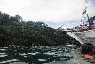 Mergulho em Paraty do barco