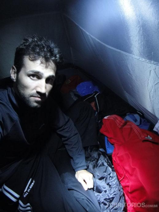 Dentro da barraca