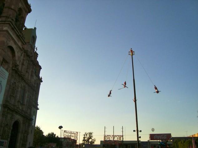 A feira também apresenta muitos rituais de povos ancestrais mexicanos