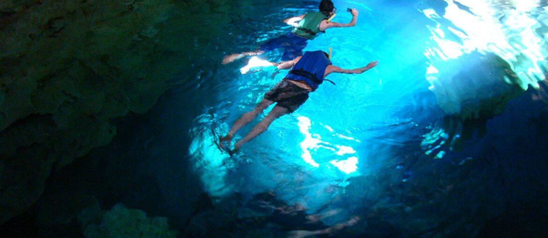 mergulho no poço azul