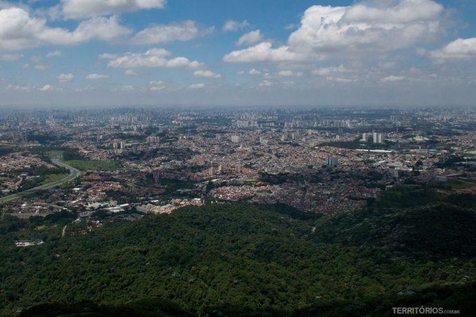 Vista no Parque Estadual Jaraguá, uma das trilhas de São Paulo