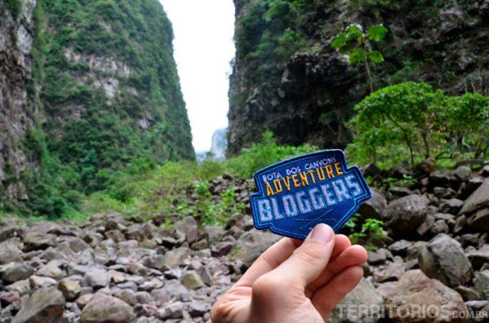 O badge Adventure Bloggers Rota dos Canyons dentro do Itaimbezinho