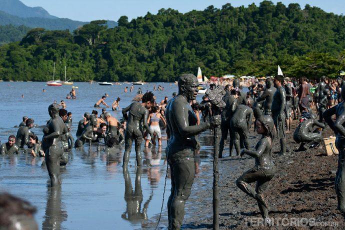 O visual da praia de Jabaquara no sábado de carnaval