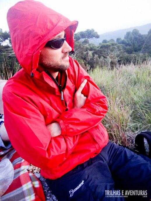 Corta-vento esquenta, além de ser essencial para vestir nos Aparados da Serra