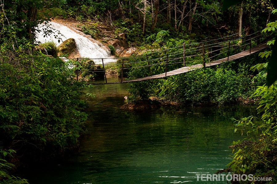 Caminho entre as cachoeiras