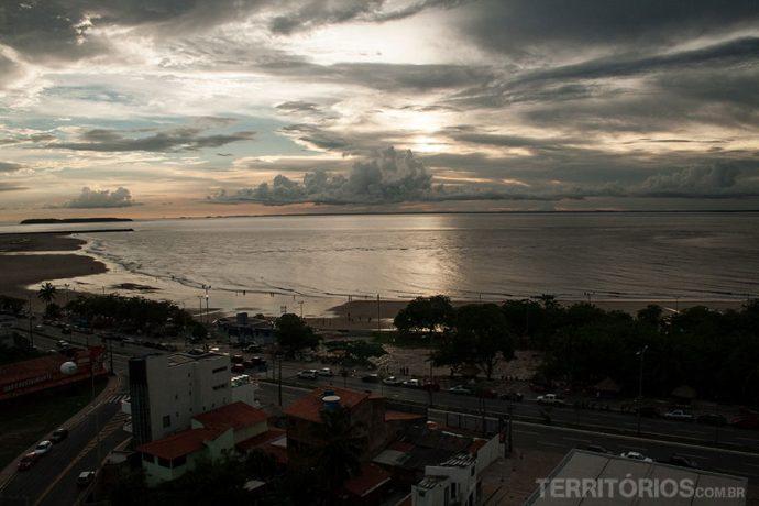 A vista do meu quarto para a praia Ponta D'Areia em São Luis do Maranhão