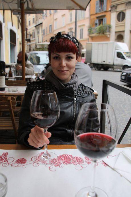 Daniella curtindo Roma