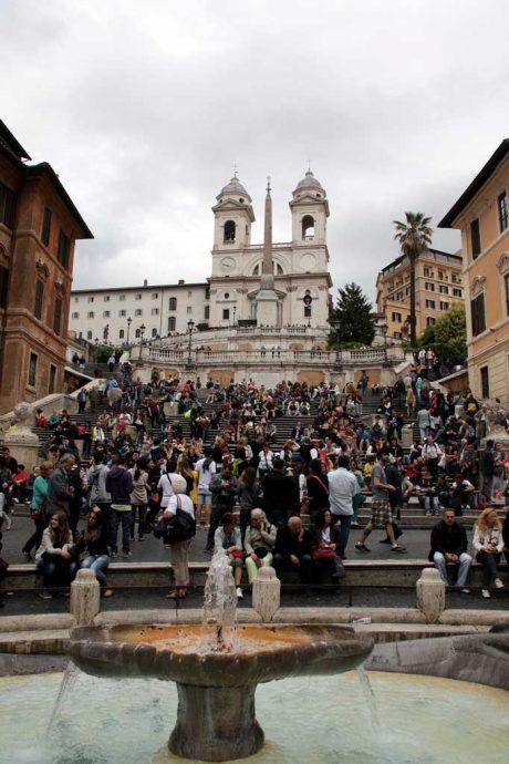 Piazza di Spagna e as igrejas