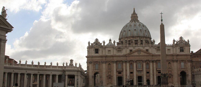 Praça de São Pedro ilustra o texto Igrejas, praças, fontes e pontes de Roma