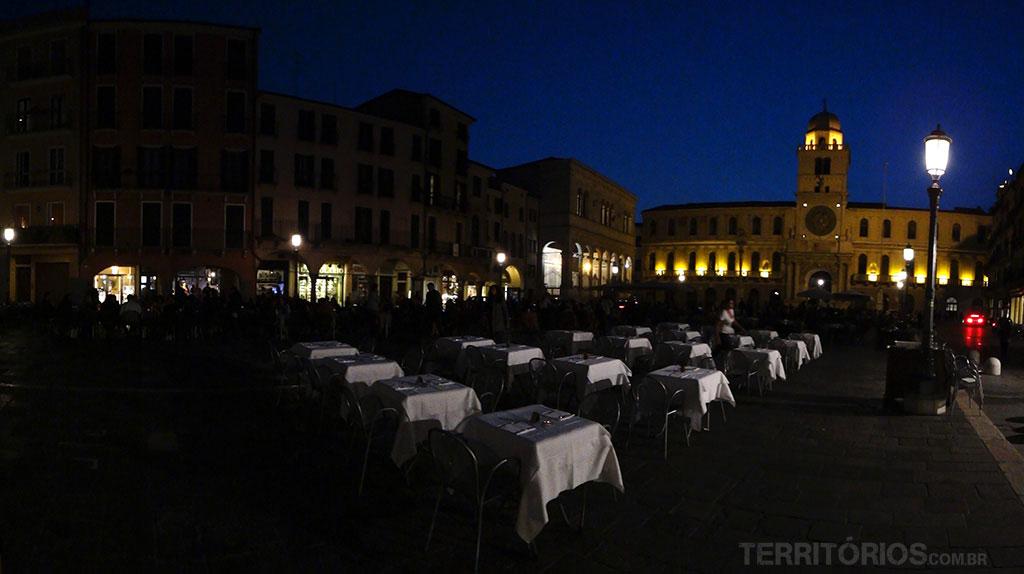 Piazza dei Signori de noite