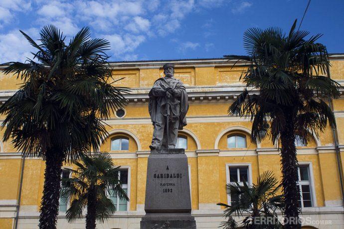 Garibaldi, herói da Revolução Farroupilha, também é famoso por lá