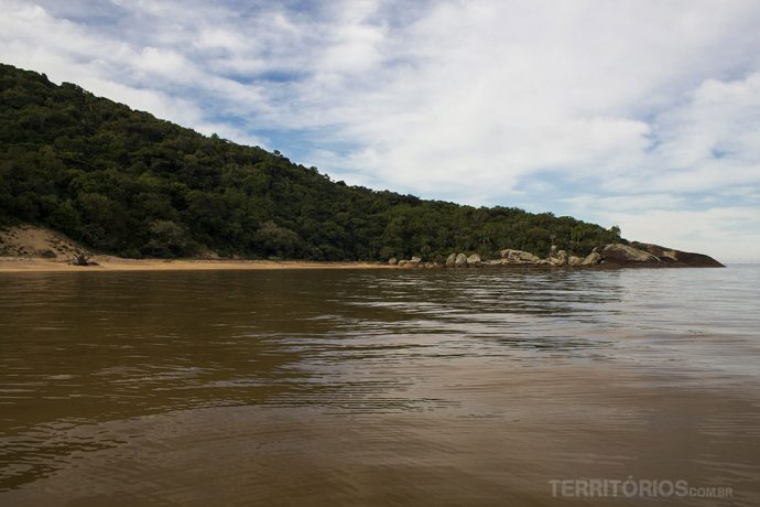 Praia do Tigre vista do barco