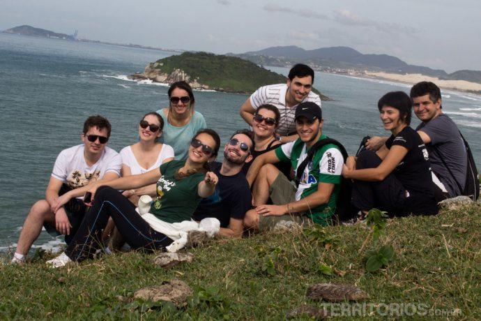 Alguns dos blogueiros no alto do morro