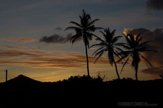 Pode parar para registrar o pôr do sol na estrada durante os roteiros de carro por Barbados