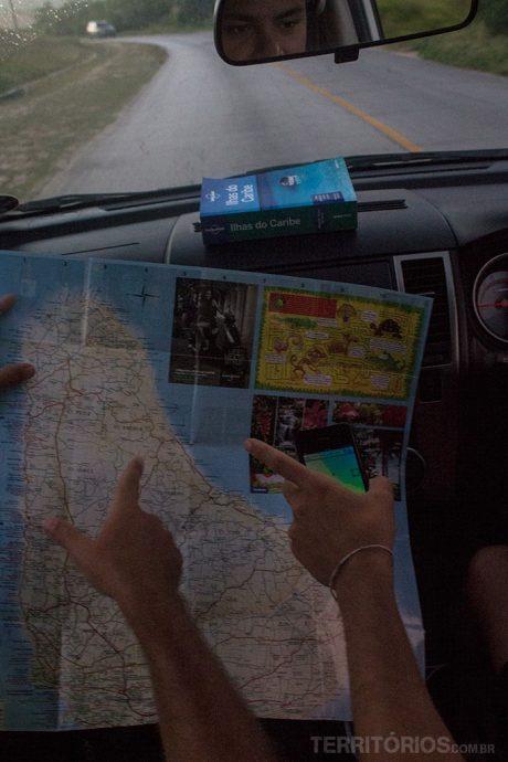 Mapa, gps e guias de viagem para não errar o caminho nos roteiros de carro por Barbados