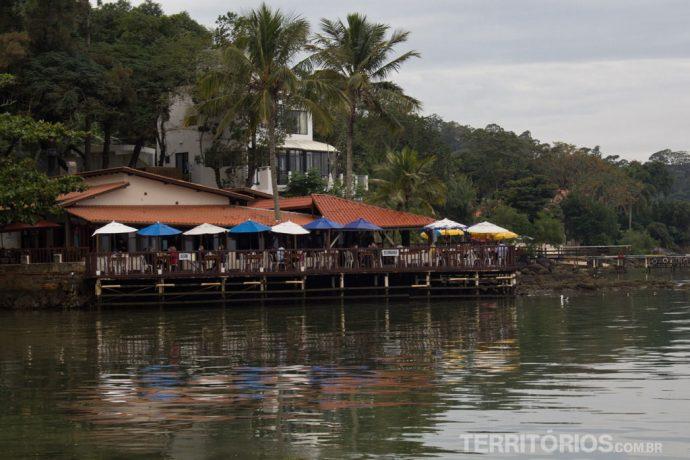 Pitangueiras fica na beira do mar de Sambaqui
