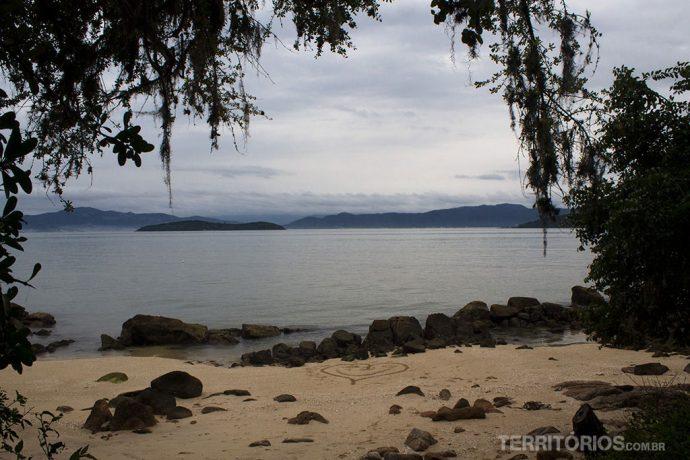 Vista para o continente desde Sambaqui