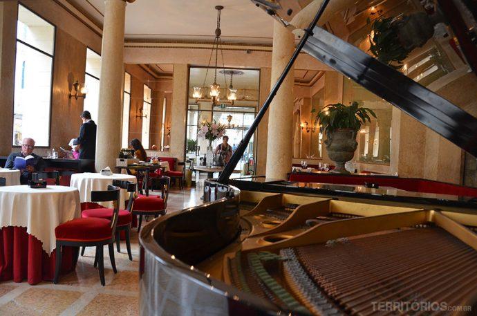 Interior do Caffé Pedrocchi