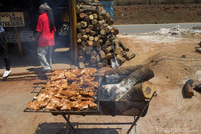 Chicken dust preparado na rua