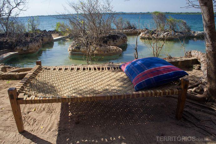 Piscina e cama na Wasini Island, no Kisite Mpunguti Marine Reserve