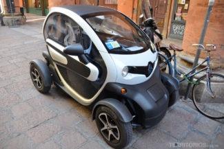 Mini carro nas ruas