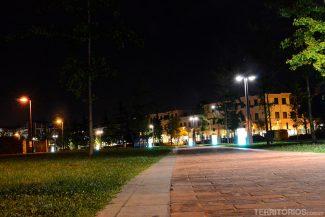Ruas em Abano Terme no final do dia