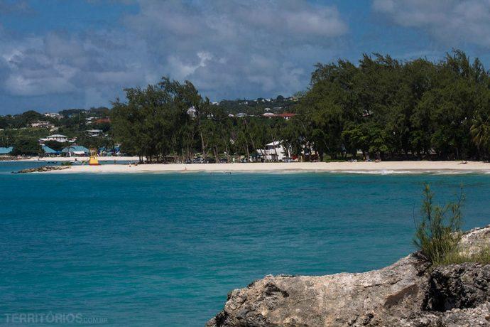 Novembro tem céu com nuvens no dicas aos viajantes Barbados