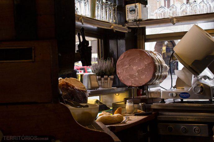 Cozinha do Bar dei Osei