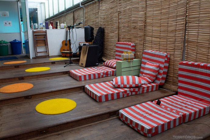 Área de convivência no Nômade Art In Hostels em São Paulo