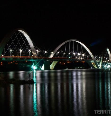 Ponte Juscelino Kubitschek sobre o Lago Paranoá, Brasília, Distrito Federal - Brasil