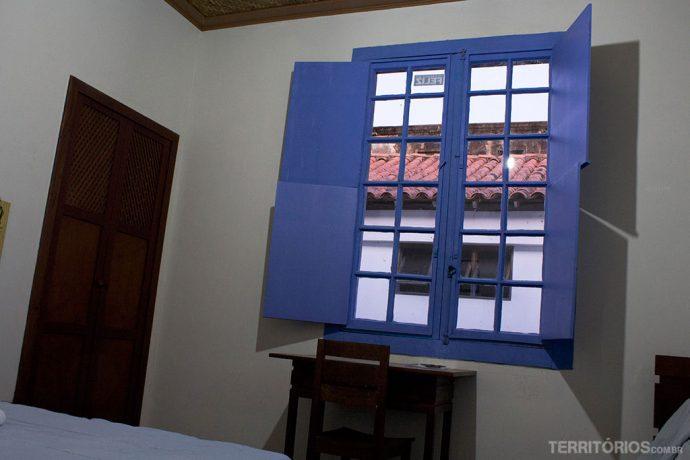 Janelão no quarto