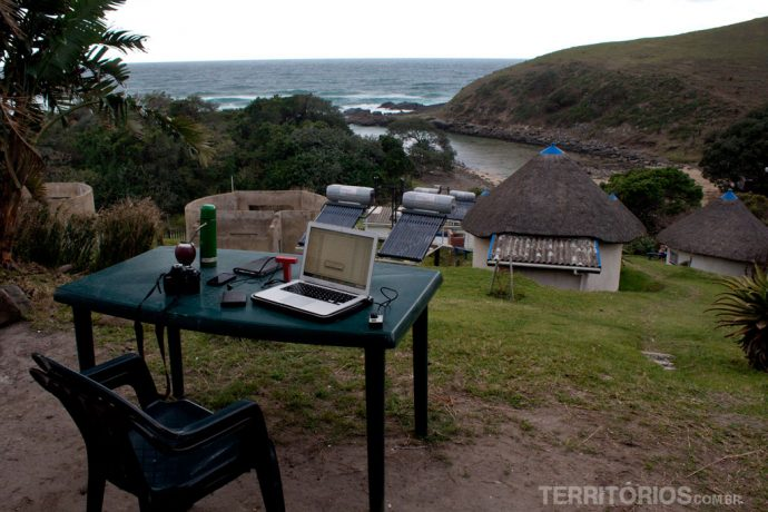 Escritório com vista na cabana do Coffee Shack