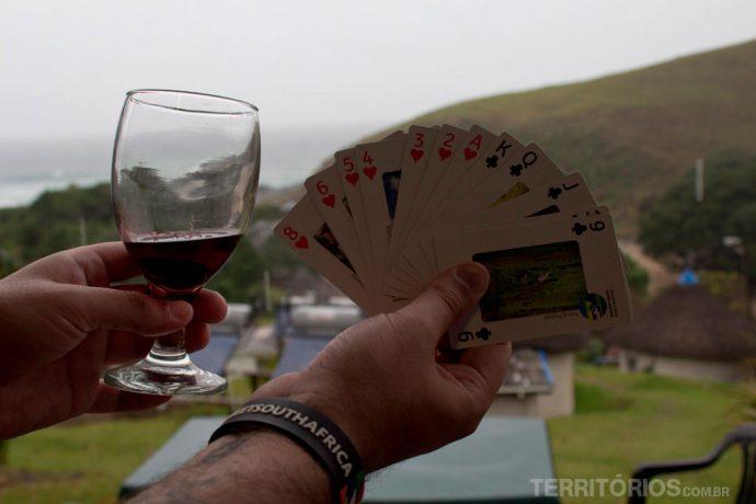Cultura, cartas e vinho bom para dias de chuva
