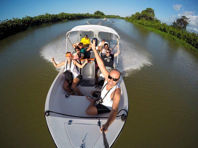 Selfie de Maurício Oliveira (Trilhas e Aventuras) da nossa lancha