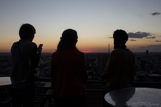 O pôr do sol no Protea Hotel