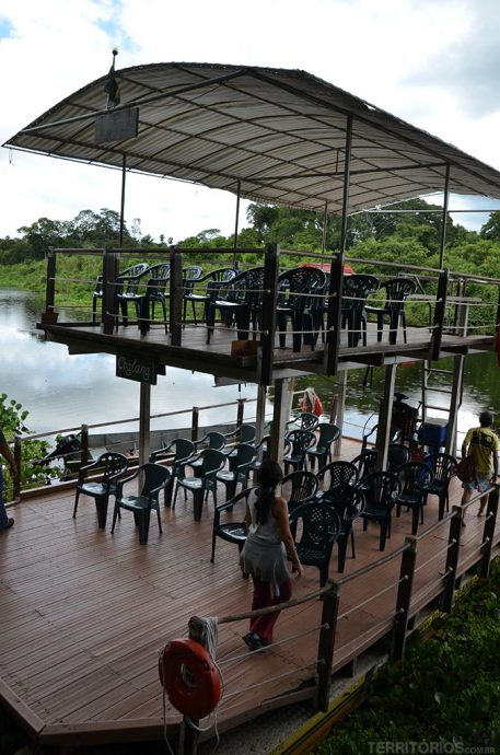 Chalana para fazer Safari fotográfico no rio