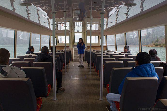 Interior da embarcação Cruce Andino