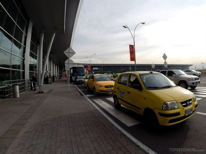 Táxi oficial no aeroporto de Bogotá