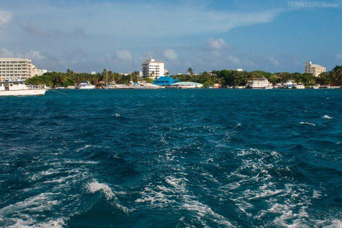 San Andrés vista do Catamarã rumo à Providência