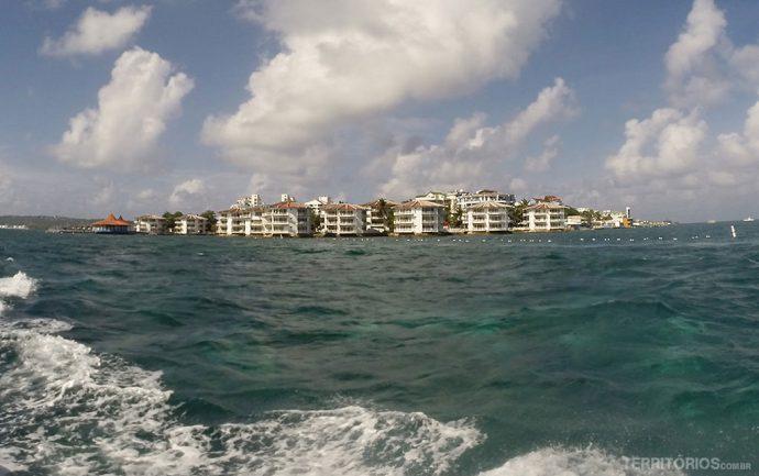 Resort Decameron Aquarium visto do mar