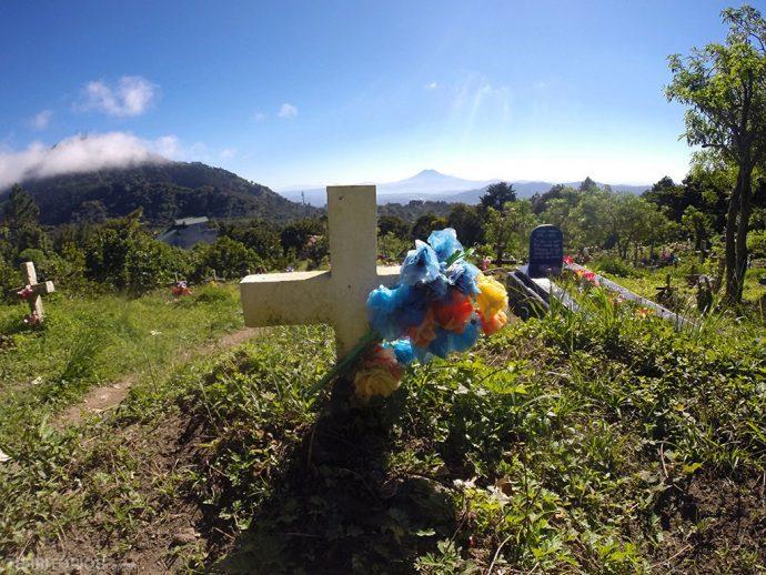 Cemitério com vista perto do Parque El Boquerón